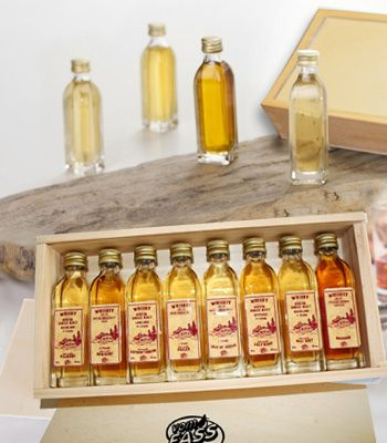 Wow! Miniature gift box. Wooden box filled with various cooking oils, vinagers, etc. - 1:12 scale.