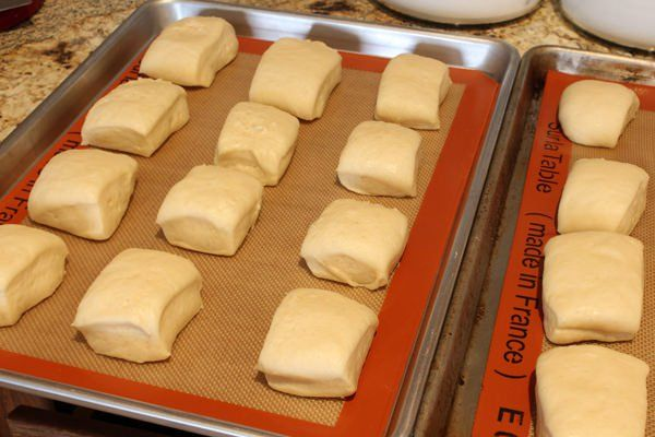 Texas Roadhouse Bread Rolls from Handletheheat.com