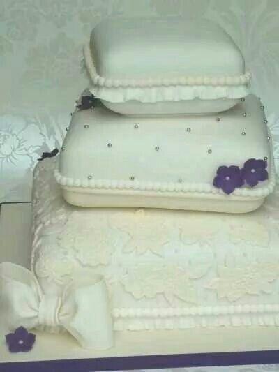 Lavender beads flower wedding cake