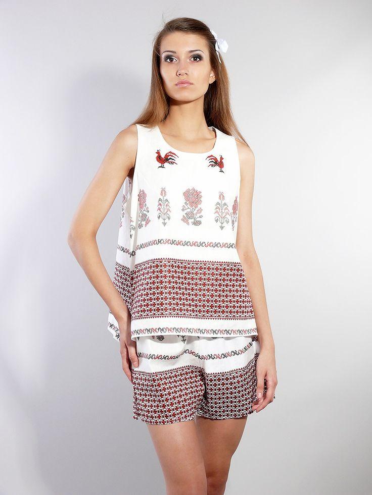 Льняная блузка и шорты - студийная модельная каталожная фотосъемка для интернет-магазина - Folov.in