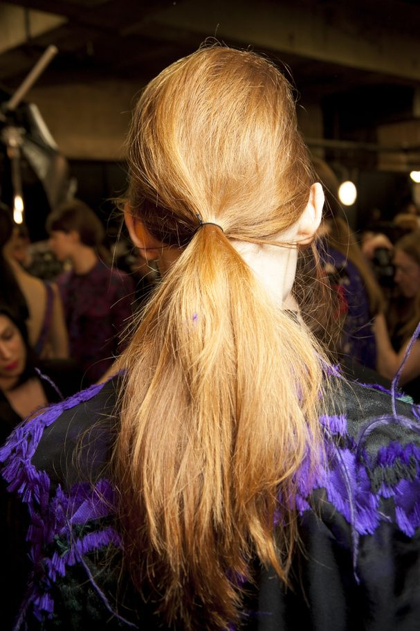 La queue-de-cheval coiffée-décoiffée