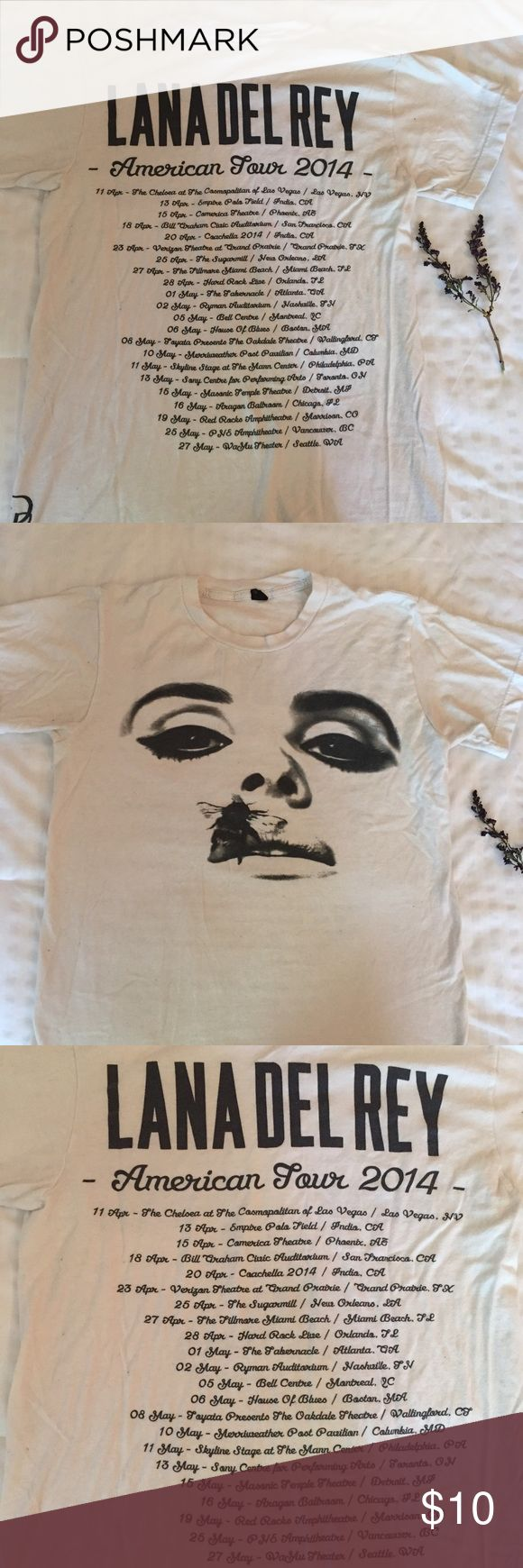 Lana Del Rey Tour T-shirt A t-shirt from Lana Del Rey's 2014 American tour! Tops Tees - Short Sleeve