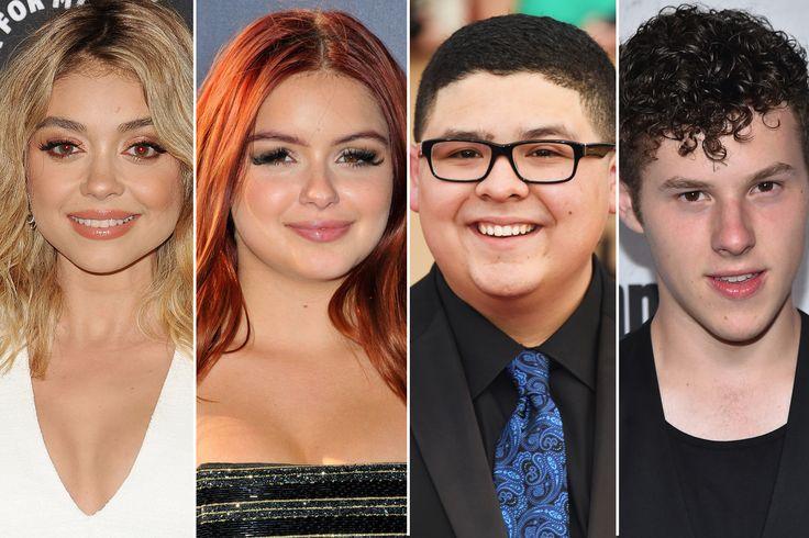 "Younger 'Modern Family' castmates getting over $100K per episode Sitemize ""Younger 'Modern Family' castmates getting over $100K per episode"" konusu eklenmiştir. Detaylar için ziyaret ediniz. http://www.xjs.us/younger-modern-family-castmates-getting-over-100k-per-episode.html"