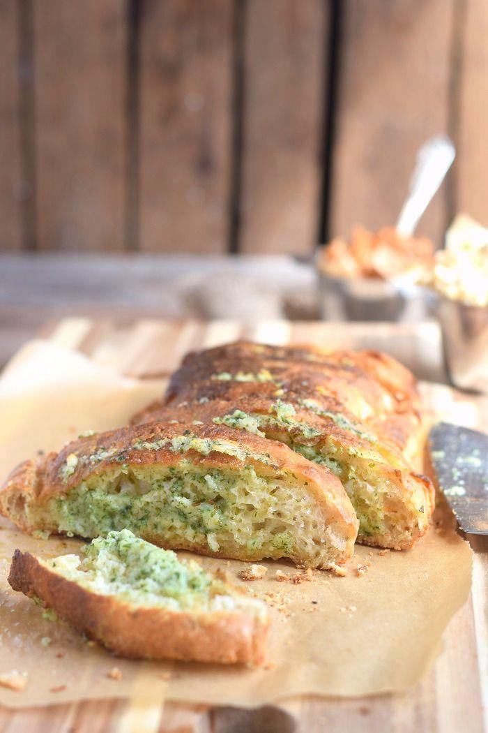 Homemade Ciabatta Baguette with Garlic butter - Ciabatta Kräuter Baguette #baguette #ciabatta #summer #sommer #bbq #grillen | Das Knusperstübchen