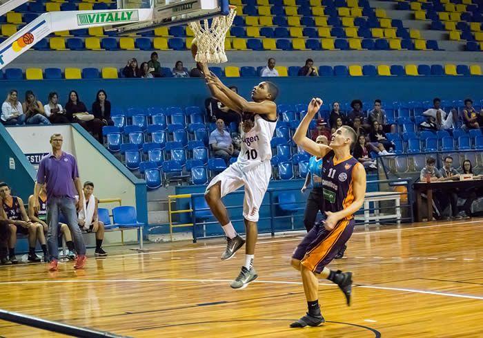 A equipe de basquetebol Sub-19 Masculino do XV de Piracicaba abre o returno da fase de classificação do Campeonato Paulista nesta segunda-feira