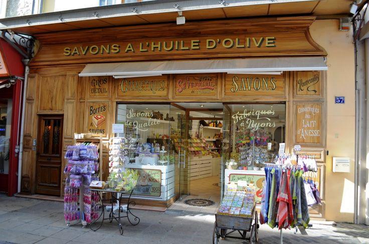 Grande Rue, Vaison-la-Romaine.