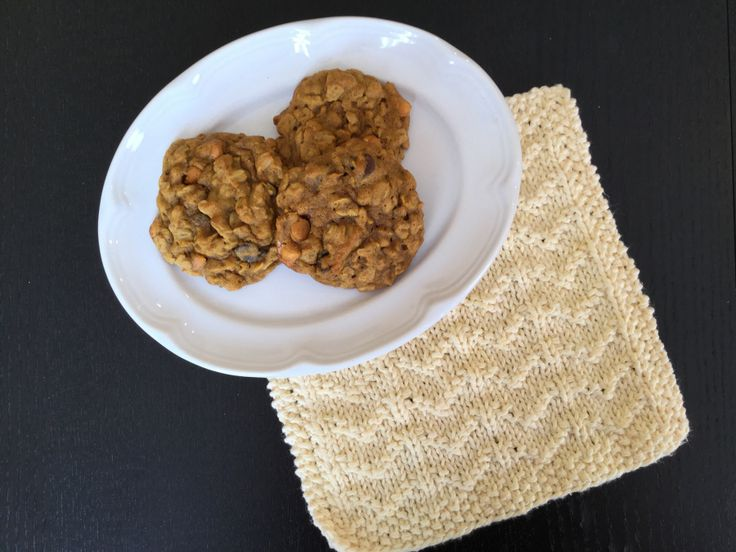 Pumpkin Oatmeal Cookie and free washcloth pattern