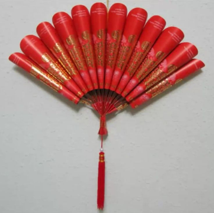 Diy chinese new year decorations from ang pow chinese for Ang pow decoration craft work