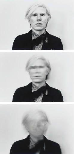 #COMPOTRIPTYQUE #PROCEDE flou/nette qu'est-ce que cela produit? EFFACEMENT, OUBLIE,  #THEME apparition/disparition  Andy Warhol