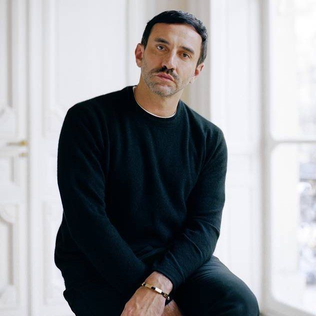 BURBERRY. @riccardotisci17 has been named as the successor to Christopher Bailey at @burberry Exciting times ahead!  _ #burberry #riccardotisci #christopherbailey #fashion #creative #creativedirector #breakingnews #news #fashion #fashionnews #couture #hautecouture #lfw #londonfashionweek #fw #designnews #givenchy