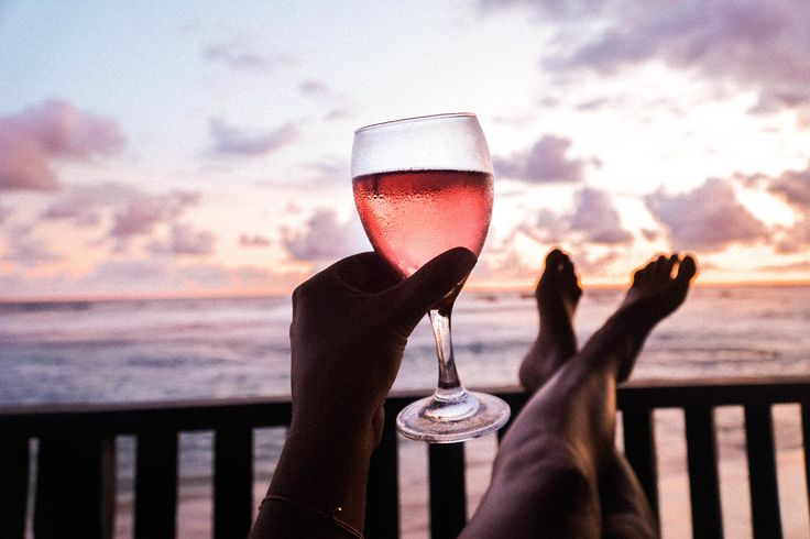 Rosé and amazing sunsets in Sri Lanka! - SEEK SEE TRAVEL
