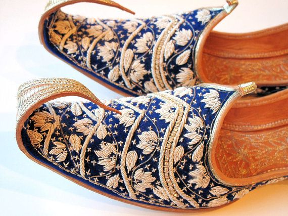 Vintage Zardosi Work Arabian Nights Aladdin Slippers Shoes-Pakistani Khussas