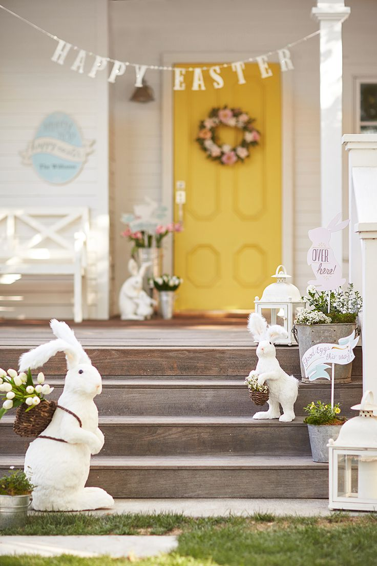 Throw an Easter egg-stravaganza with party décor inspired by spring and, of course, bunnies!