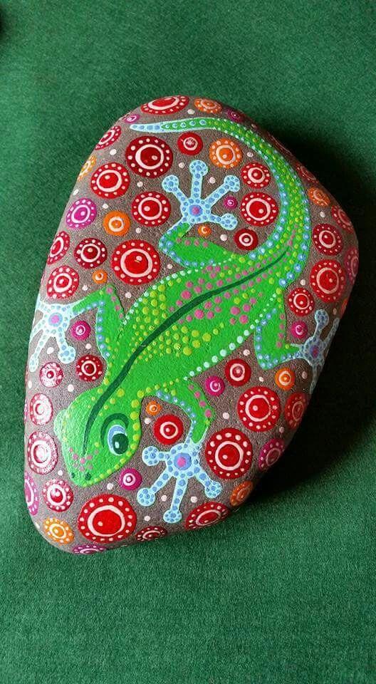 Geko painted rock