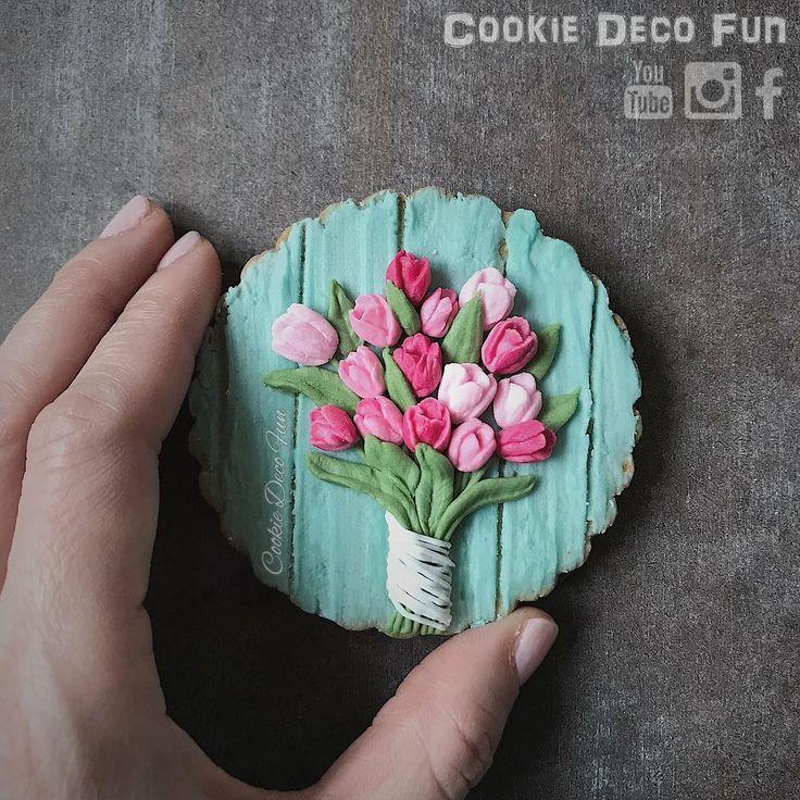 Tulip bouquet coolie