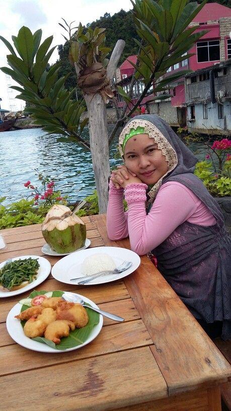 Cafe Rumah Laut.. in the evening - Jayapura - Papua - East Indonesia
