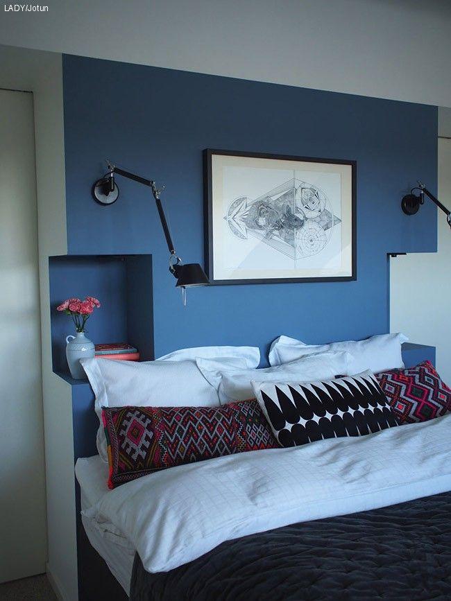 Se hvilken farge som er Jenny Skavlan sin favorittfarge om dagen. Hun har en passion for gjenbruk, rededesign og elsker denim. Se hvor fint soverommet ble.