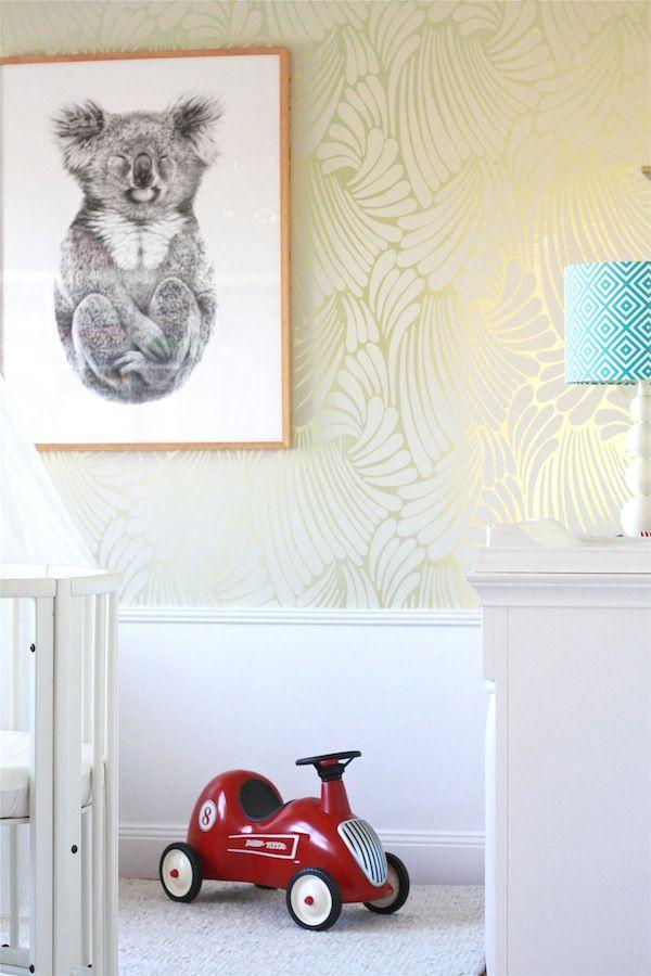 Florence Broadhurst Fingers wallpaper in Gold/cream