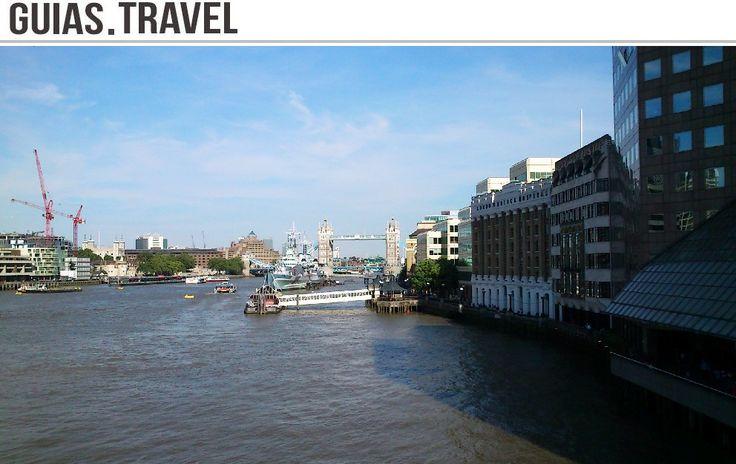 El HMS Belfast es el único superviviente que estuvo activo durante la Segunda Guerra Mundial. Al fondo el #TowerBridge, #Londres. http://www.viajaralondres.com/?page=londonbridge.php