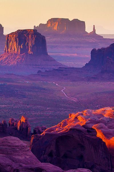 Hunts Mesa, Monument Valley, Arizona USA - You will find Hunts Mesa along the south-eastern edge of the monument valley. A trip to Hunts Mesa will see you experiencing panoramic views of the sandstone formations that can be seen in the distance. The area can only be accessed by travelling through the sand dunes that are to the north-east of the town Kayenta.