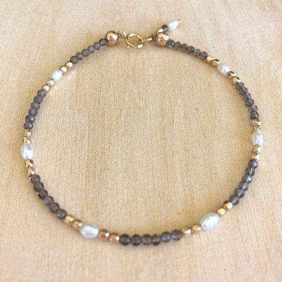 Dainty Smoky Quartz Bracelet with Pearls and gold filled beads, Delicate Smoky Quartz Bracelet, Stacking Bracelet, Beaded Gemstone Bracelet – Perlenarmband