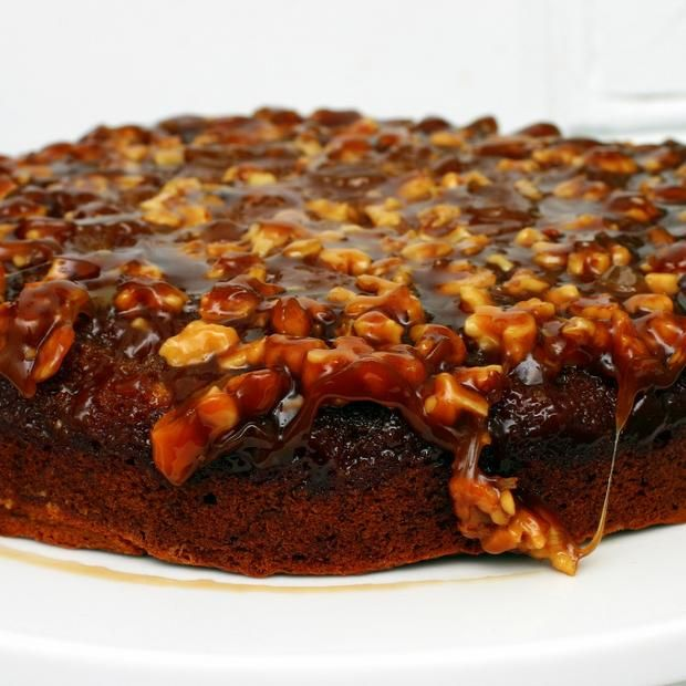 Caramel Walnut Upside Down Banana Cake | * * Cakes and Cupcakes ...