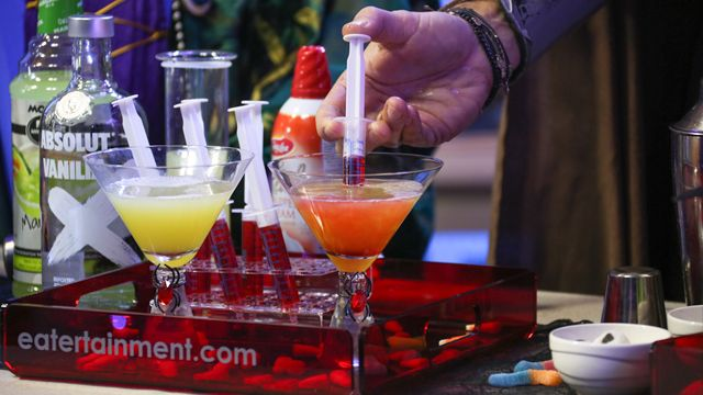 RECIPE: Bloody Candy Corn Martini #Halloween #Cocktail