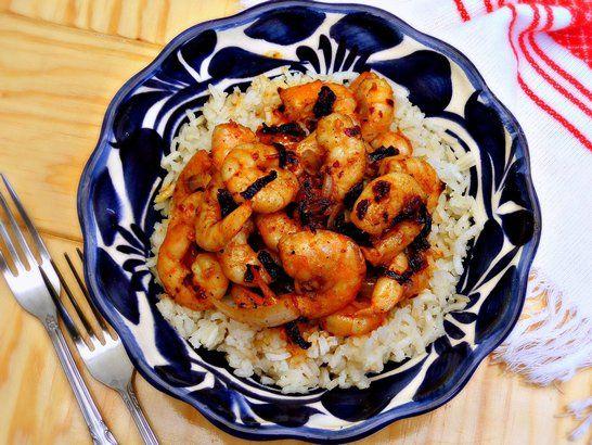 Shrimp and Ancho Pepper Stir-Fry - QueRicaVida.com