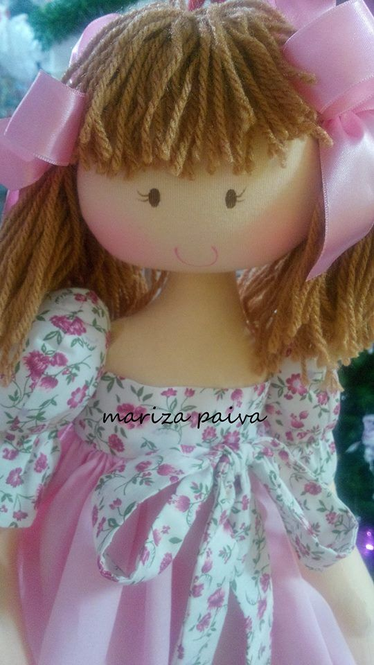 https://www.facebook.com/photo.php?fbid=531329453667182.... (I LOVE this doll!!).....