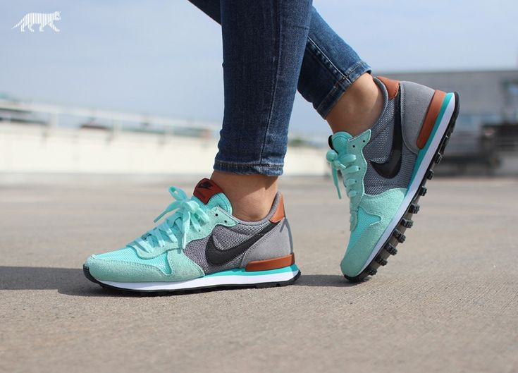 Nike wmns Internationalist (Artisan Teal / Black - Clear Grey - Dark Rsst)
