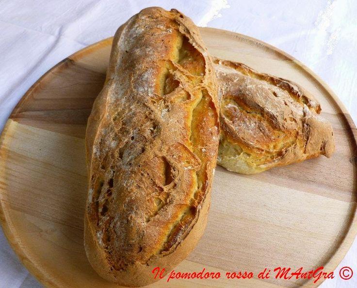 Il Pomodoro Rosso di MAntGra: Ciabatte di pane con lievito madre e 24 h di lievitazione http://ilpomodororosso.blogspot.it/2015/01/ciabatte-di-pane.html