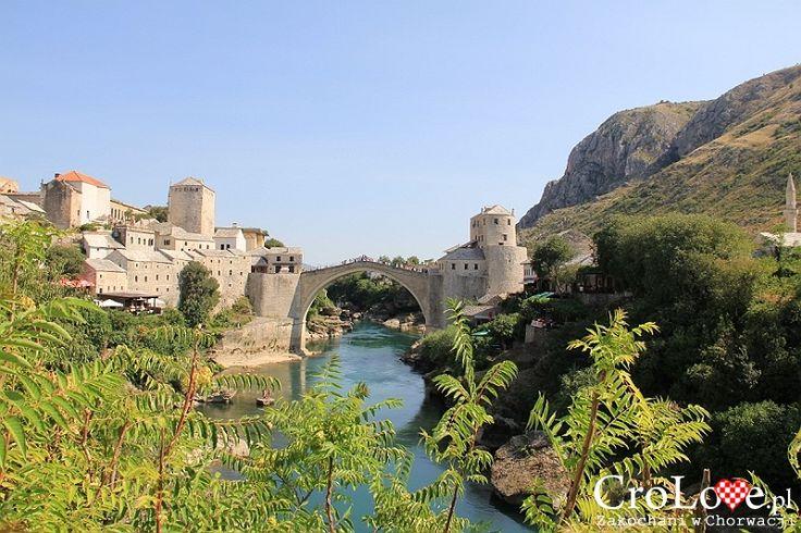 Widok na Kamienny Most w Mostarze | Mostar - Bośnia i Hercegowina || http://crolove.pl/mostar-wielokulturowe-miasto-bosni-hercegowinie/ || #Mostar #BosniaiHercegowina #bih