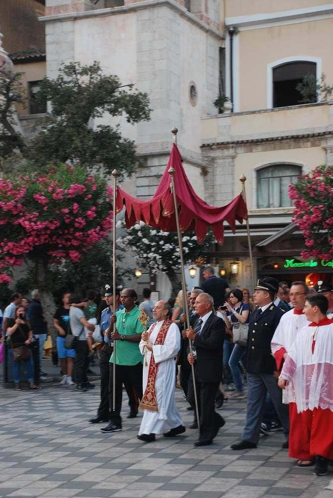 Taormina - santo patrono procession
