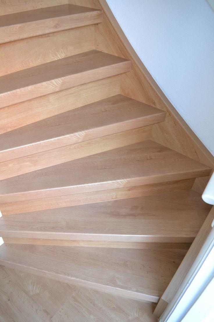 Een trap in decor eiken geeft een natuurlijke uitstraling.