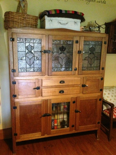 Leadlight Kitchen Dresser