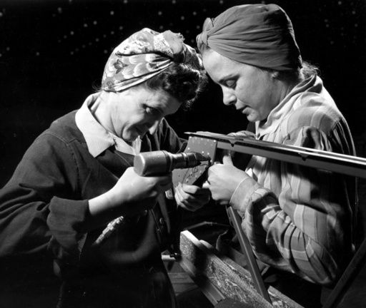 rosie riveters 2	-	America	-	1940's