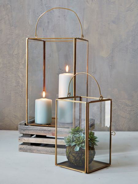 Brass box lanterns for the ceremony could then be moved to the reception venue