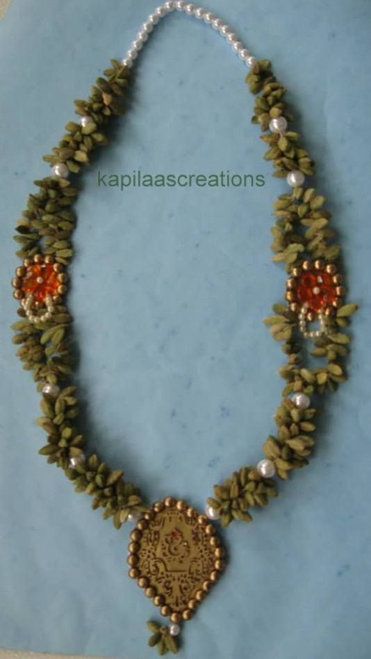 No D3 ,Special Elaichi Malas (Cardamom Necklace) to place on your favourite idol during poojas or to honour your elders or gurus. Each mala is made with the finest quality of cardamoms to ensure that they are fragrant and long-lasting. These are made to order and can be customised as per your taste. contact Shailaja at kapilaas@gmail.com