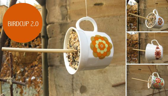 Going to do this with old coffee cups! That way in the morning I can have my breakfast while the birds have theirs. :D