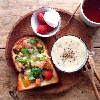 Lunch - baked bread with leftover vegetables (avocado, mushroom, tomato, pumpkin).   Potato cauliflower soup.  Strawberries and cream.