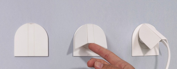 Wanneer we ons huis helemaal aanpassen, worden zaken als stopcontacten vaak vergeten. Daar brengt designer Inga Sempé nu verandering in met deze prachtige serie schakelmateriaal.