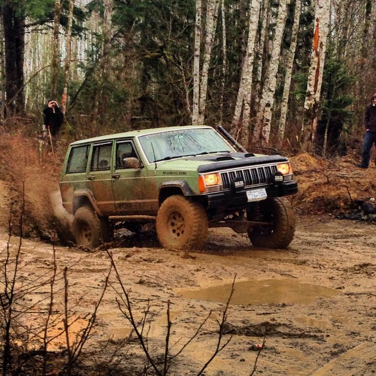 17 best images about xj jeeps on pinterest jeep for Garage 4x4 ain
