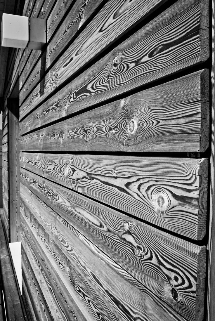Casa prefabbricata in legno rivestimento in larice for Case prefabricate in legno
