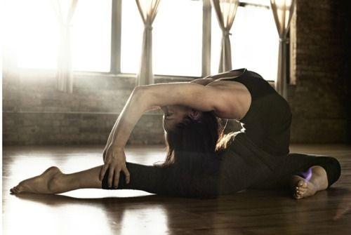 209 best hand balancing and contortion images on pinterest for Yoga tumblr inspiration