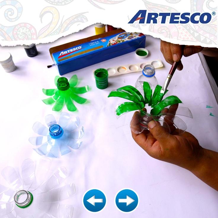 Utiliza tus témperas Artesco para pintar las hojas del árbol navideño :)