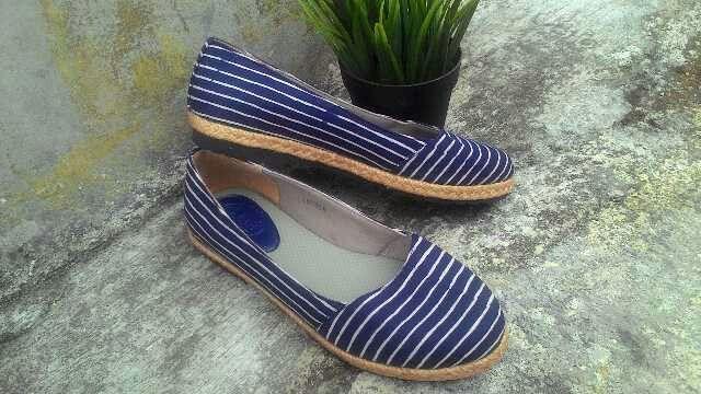 Ivanka Blue Stripes ● IDR 165 k
