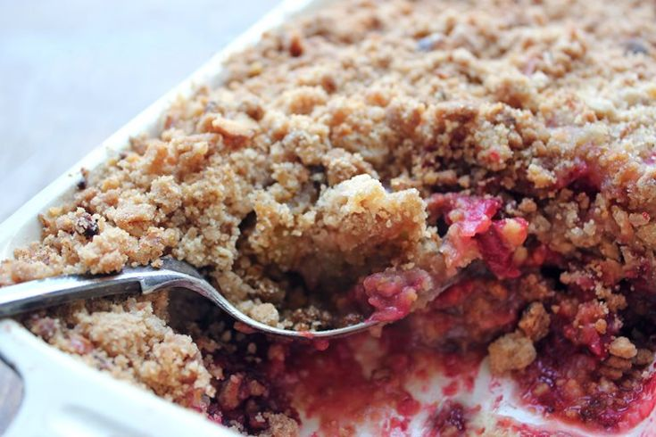 Apple, beetroot and walnut crumble