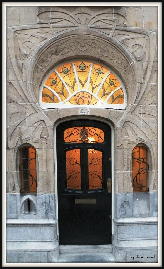 Jugendstill in Den Haag (Art Nouveau) - photo by Shahrazad26, via Flickr;  in The Hague, Holland, The Netherlands