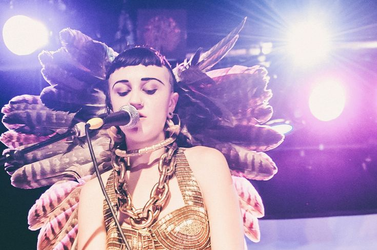 Hiatus Kaiyote – The world it softly lulls