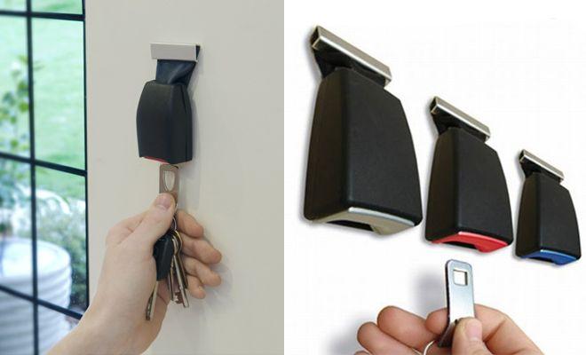 """""""Buckle Up Key Holder"""". They're created using discarded belt buckles from car manufacturers. Das kann man doch auch selber machen (Schnallen vom Schrottplatz)."""